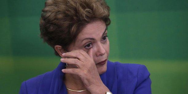L'avenir du Brésil est assombri par le climat politique délétère, selon Natixis. La présidente Dilma Rousseff atteint un record d'impopularité avec 8% d'opinions favorables.