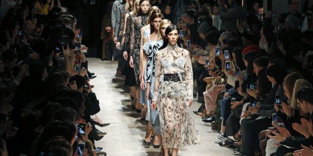 Rochas est une marque de parfums et de couture fondée en 1925 par le français Marcel Rochas.