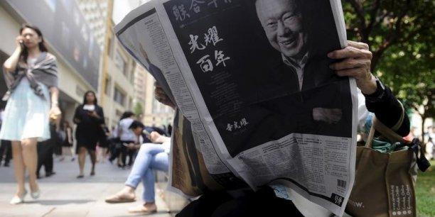 Premier ministre de 1959 à 1990, Lee Kuan Yew a gouverné Singapour comme on gère une entreprise. Mais cela a fonctionné.