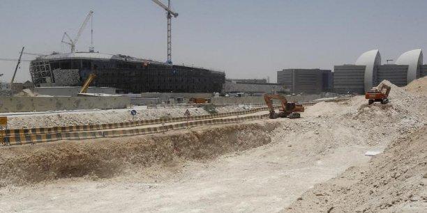 Au Qatar, Vinci a décroché des contrats d'un montant global de 2,2 milliards d'euros pour le tramway de Lusail, le métro de Doha et un tronçon d'autoroute de 47 kilomètres, la New orbital Highway.