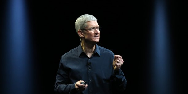 Apple, qui anticipe pour le premier semestre 2016 sa première baisse, se lance dans l'iPhone milieu-de-gamme.