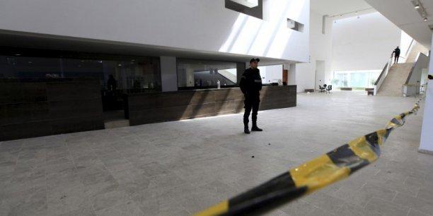 Revendiqué par le groupe Etat islamique, cet attentat a fait au total 22 morts, 21 touristes étrangers et un policier tunisien. Il est le premier à toucher des étrangers en Tunisie depuis 2002.
