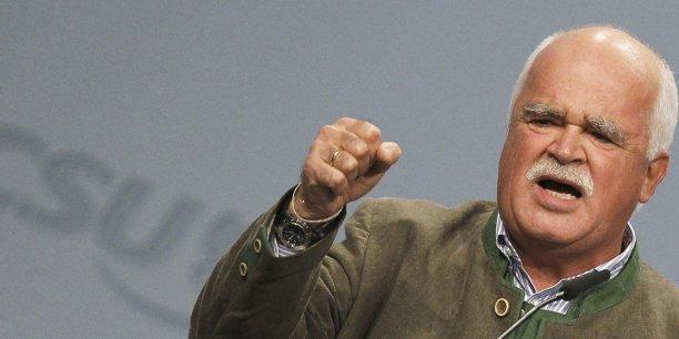Peter Gauweiler, vice-président de la CSU, affiche son désaccord avec Angela Merkel