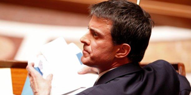 Pour 60% des personnes interrogées, Manuel Valls doit maintenir avant tout le cap des réformes en faveur des entreprises et de la relance de l'activité économique.