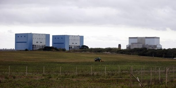 Le ministère de l'Energie britannique, réfutant l'analyse de la Intergenerational Foundation, a néanmoins réaffirmé les avantages du nucléaire, notamment la non dépendance de facteurs météorologiques.