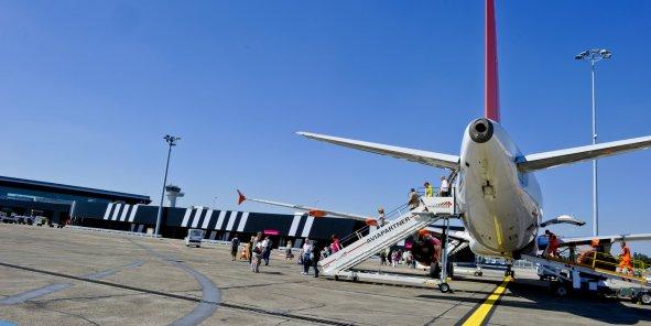 L'aéroport de Bordeaux mise sur les compagnies à bas coût et a spécialement construit le terminal Billi (en noir et blanc) pour elles.