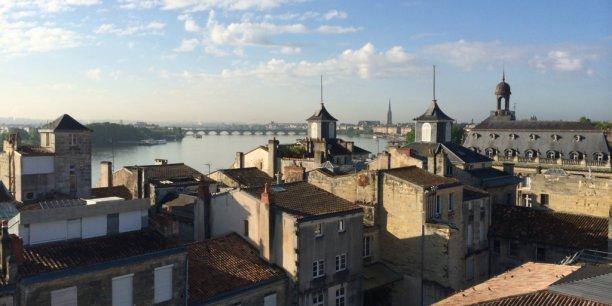 Bordeaux va voir ses taux de taxes foncières et d'habitation progresser de 5 %...pour compenser, en partie, la baisse des dotations de l'État explique Alain Juppé