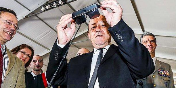 Le ministre de la Défense Jean-Yves le Drian a inauguré ce matin la deuxième édition du Sofins, véritable salon des innovations dédiés au forces spéciales