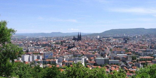 A Clermont-Ferrand, Michelin reste le premier employeur de la ville mais rencontre des problèmes de recrutement.