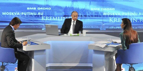 Le président russe Vladimir Poutine lors de son émission annuelle de questions-réponses à la télévision russe.