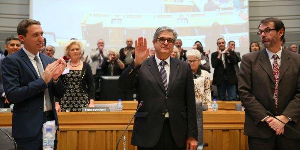 Georges Méric, lors de sa prise de fonctions au Conseil général le 2 avril dernier (entouré de Bertrand Looses, le directeur général des services, et Victor Denouvion, le benjamin de l'assemblée)