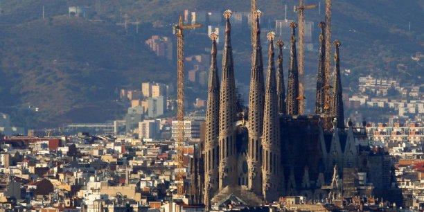 Le programme City OS vient ainsi traduire la volonté de la Ville de Barcelone de construire, grâce aux apports de la technologie, de nouveaux espaces ouverts pour les citoyens permettant d'assurer l'interopérabilité de nombreux services et applications urbains.