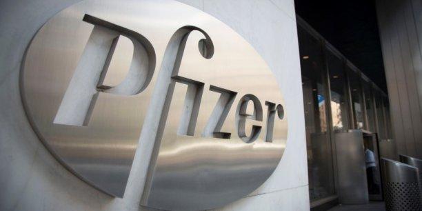 Pfizer, dont la capitalisation boursière avoisine les 216 milliards de dollars, continue à racheter des entreprises pour contrer l'expiration de certains brevets et la concurrence des génériques.