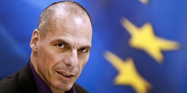 Pour Yanis Varoufakis, ministre des Finances de la Grèce, les obstacles à la croissance dans le passé étaient constitués de l'alliance impie entre certains intérêts oligarchiques et les partis politiques, les offres de marché scandaleuses, le clientélisme, les médias contrôlés en permanence, les banques trop accommodantes, les autorités fiscales faibles, et le système judiciaire archaïque et timide.