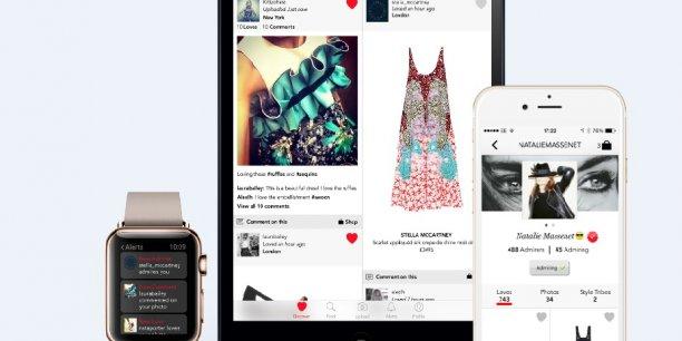 Nathalie Massenet, créatrice de Net-a-Porter et ex-journaliste de mode, dicte son style, au même titre qu'une rédactrice de mode. Sa propre page est mise en avant par son groupe pour illustrer le lancement de son réseau social.