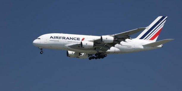 L'Etat déboursera entre 33,15 millions d'euros et 45,9 millions d'euros pour acquérir un maximum de 5.100.000 de titres Air France-KLM