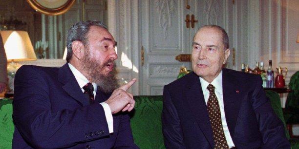 Avant Hollande, aucun président français ne s'était rendu à Cuba depuis plus d'un siècle. C'est en France que François Mitterrand rencontre FIdel Castro, le 13 mars 1995.