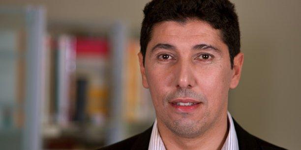 Luis Martinez est spécialiste du Maghreb et du Moyen-Orient, et directeur de recherche au Centre d'études et de recherche internationale de Sciences Po depuis 2005.