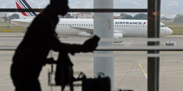 Le transport aérien dispose pourtant depuis juillet 2016 d'une nouvelle Autorité de supervision indépendante (ASI), qui a été créée pour intervenir notamment sur l'homologation des tarifs des redevances aéroportuaires versées par les compagnies aériennes.