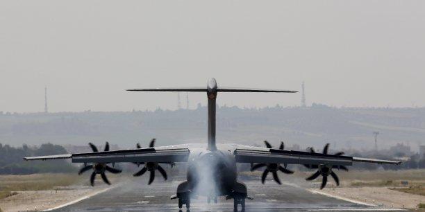 Nous avons prévu une réunion lundi avec la société (Airbus DS) pour poser une série de questions qui nous permettront de donner un certificat de vol avec toutes les garanties; a annoncé le ministre de la Défense espagnol, Pedro Morenes.