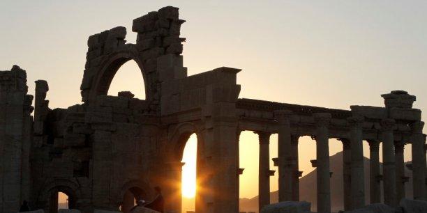 Palmyre est une oasis du désert de Syrie, à 210 km au nord-est de Damas. Conquis mercredi dernier par les djihadistes de l'Etat islamique (EI), le site archéologique n'a pas subit de dégradation pour le moment.