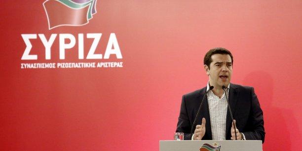 Les dirigeants européens doivent avancer en faisant preuve de réalisme, comme le fait depuis trois mois le gouvernement grec en négociant les droits du peuple grec au profit d'une Europe unie, a affirmé Alexis Tsipras.