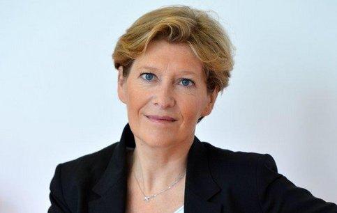 Fabienne Dulac, 48 ans, accède à la tête d'Orange France après avoir occupé plusieurs fonctions au sein du groupe.