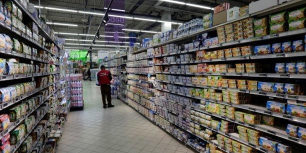 La consommation des ménages en biens représente un peu moins de 50% de leur consommation totale et est le principal moteur du rebond de la croissance intervenu au premier trimestre.