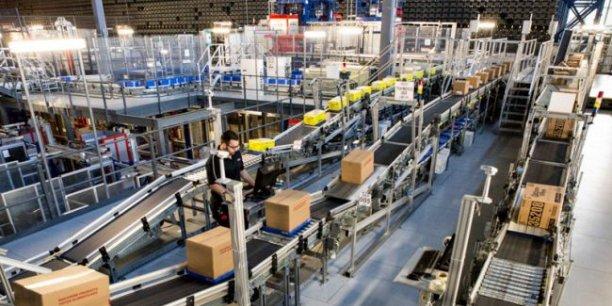 Panorama d'un entrepôt robotisé du distributeur canadien Sobey's.
