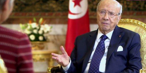 En exclusivité pour 28 Minutes, Elisabeth Quin et Vincent Giret se sont rendus sur place pour interviewer le Président de la République tunisienne Beji Caid Essebsi dans son palais.