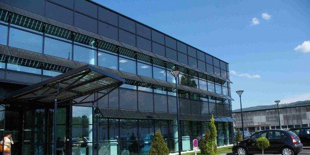 L'Agora est conçu comme un lieu d'échange et de travail collaboratif.