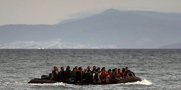 Ne souhaitant pas commenter l'affaire, le Premier ministre australien a préféré annoncer que le gouvernement était déterminé à stopper les bateaux par n'importe quel moyen.