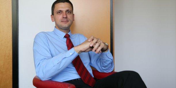 Serban Iclanzan dans son bureau de La Gazette du Midi