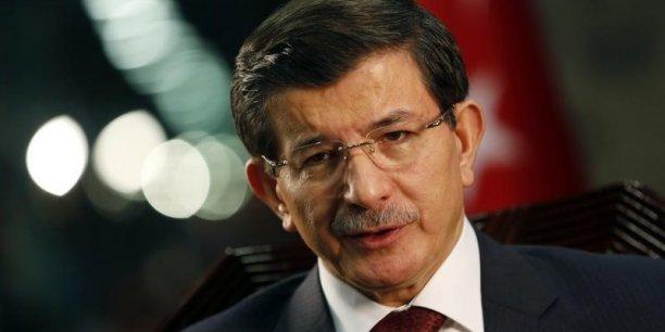 Nous voulons que la Grèce soit forte (...) nous sommes prêts à aider la Grèce à se sortir de la crise économique en coopérant dans le tourisme, l'énergie, le commerce, a affirmé Ahmet Davutoglu, le Premier ministre turc.