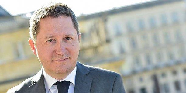 Guillaume Deglise a été nommé fin 2013 à la direction de Vinexpo, succédant à Robert Beynat. Il était, depuis 2009, le directeur général de Laurent-Perrier Suisse. Âgé de 39 ans, il a effectué sa carrière en Champagne, d'abord chez Bollinger puis chez Laurent-Perrier . Depuis 2012, il était également en charge du  développement de la marque en Chine.