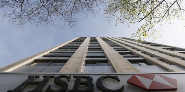 Au premier semestre, les coûts totaux d'exploitation de HSBC ont augmenté de 5% par rapport au trimestre correspondant de 2014, à 19,187 milliards de dollars.