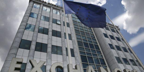 La BCE a ce vendredi décidé de relever le plafond de l'ELA de 1,8 milliard d'euros selon d'autres. La Banque de Grèce demandait 3,5 milliards d'euros. Autrement dit, la BCE n'a même pas accepté de ne donner le strict nécessaire. Assez pour faire face pendant quelques jours, mais le scénario chypriote reste d'actualité pour la Grèce.