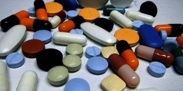 L'Organisation mondiale de la santé (OMS) et des gouvernements du monde entier, comme celui des États-Unis, ont qualifié la résistance aux antibiotiques de menace pour la santé publique mondiale, qui risque de rendre inefficaces les traitements contre des maladies très contagieuses.