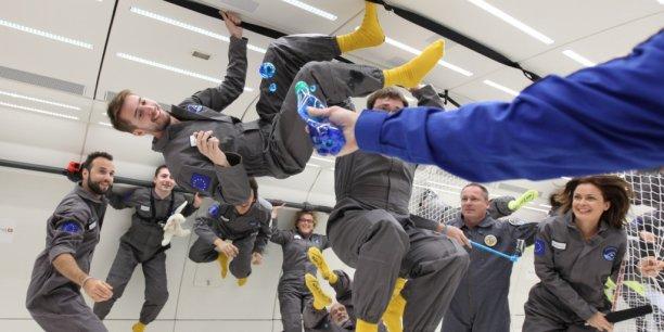 40 personnes ont expérimenté l'apesanteur à bord de l'Airbus A310 Zero-G.