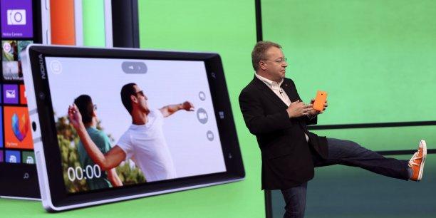 Stephen Elop (ici lors de la conférence Microsoft du 2 avril 2014), avait notamment géré, en 2013, le rachat par Microsoft du groupe finlandais Nokia dont il était le Pdg.