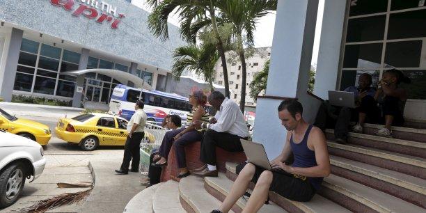 L'ouverture de salles de navigation accessibles aux Cubains ne date que de 2013.