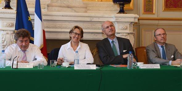 Damien Alary (président de Région), Marylise Lebranchu (ministre de la Décentralisation), Pierre de Bousquet (préfet de Région) et Pascal Mailhos (préfet préfigurateur, préfet de Midi-Pyrénées).