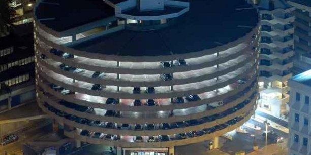 lyon parc auto un restaurant et une terrasse au parking des halles. Black Bedroom Furniture Sets. Home Design Ideas