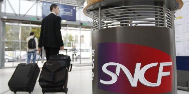 Actuellement, la SNCF fait face chaque mois à 300 alertes au colis suspect dans les gares.