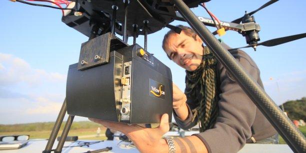 YellowScan est un boîtier indépendant, suffisamment petit pour être transporté par des drones.