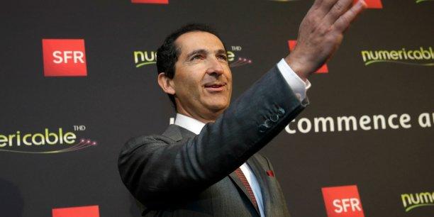 Patrick Drahi serait notamment en concurrence avec les groupes de presse allemand Bauer et italien Mondadori, selon La lettre de L'Expansion.