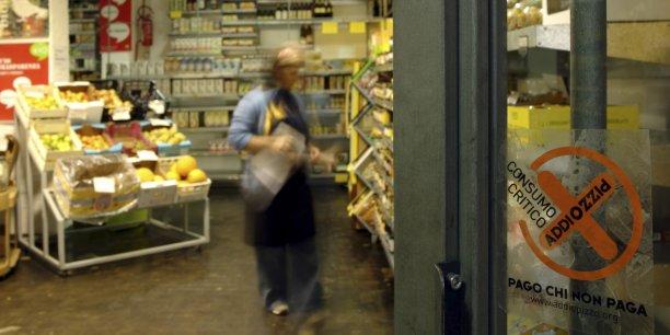 En 2006, Addiopizzo lançait la campagne anti-racket Je paye ceux qui ne paient pas, recensant une centaine d'opérateurs économiques refusant publiquement de se soumettre au chantage de la mafia.