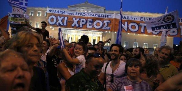 Partisans du non place Syntagma, à Athènes.
