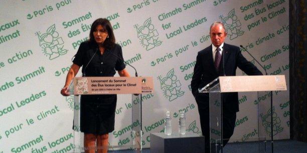 Les zones urbaines abritent la majorité de la population mondiale et contribuent à 70% des émissions de gaz carbonique de la planète, reconnaissent la maire de Paris et l'ancien maire de New York.