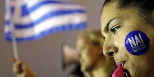 Le oui au référendum grec progresse mais reste encore largement minoritaire d'après les sondages. (Photo: manifestation en faveur du oui, à Athènes, devant le Parlement, le 30 juin 2015